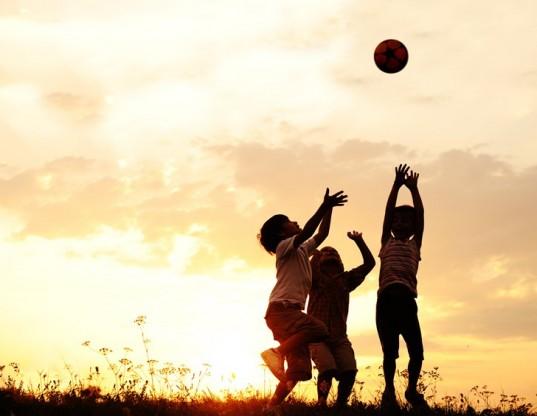 Ελεύθερο Παιχνίδι: Γιατί είναι καλό για το παιδί σας να βαριέται ελεύθερο παιχνίδι