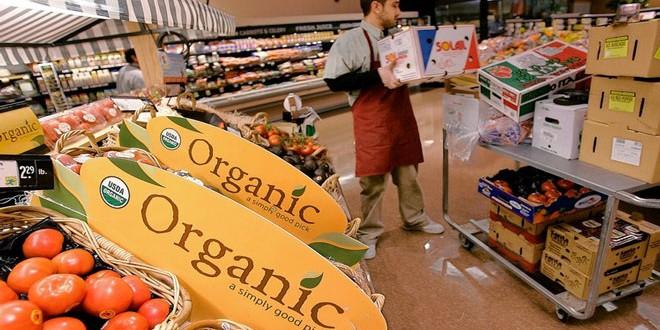 Εκτόξευση πωλήσεων στα βιολογικά προϊόντα στις ΗΠΑ οργανική καλλιέργεια βιολογικά προϊόντα