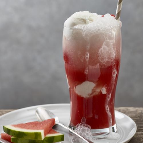 Αναψυκτικό καρπούζι με παγωτό παγωτό καρπούζι αναψυκτικά