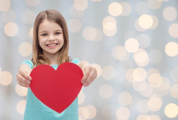 Πώς να μεγαλώσετε ευγενικά παιδιά ευγένεια
