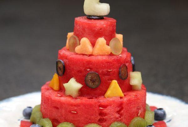 Τούρτα γενεθλίων από φρούτα! τούρτα γενεθλίων food art