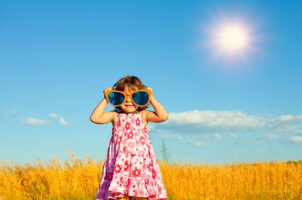 Πώς θα προστατεύσω το παιδί από τη θερμοπληξία; καλοκαίρι θερμοπληξία ήλιος