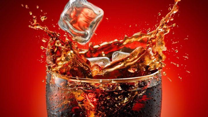 Απίστευτο: Ποιο αναψυκτικο χρησιμοποιούν οι Ινδοί για φυτοφάρμακο! Ινδία Pepsi Coca Cola