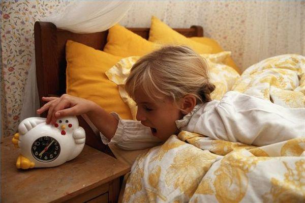 Πρωινό ξύπνημα και προετοιμασία για το σχολείο! σχολείο πρωινό ξύπνημα πρωινό