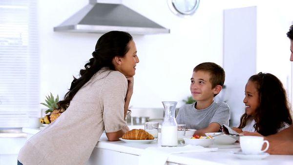 Η σωστή διατροφή ξεκινά πάντα απο το πρωινό - Τι ισχύει για τα παιδιά! πρωινό