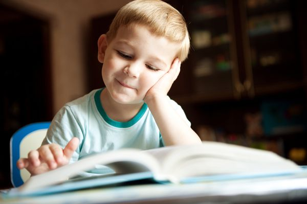 Πώς θα γίνει το παιδί σου ξεφτέρι στην ανάγνωση...