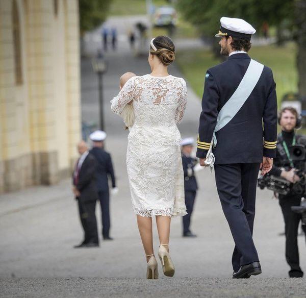 Η πριγκήπισσα Σοφία της Σουηδίας βάπτισε τον γίο της (φωτογραφίες) Σουηδία πριγκήπισσα Σοφία Κέιτ Μίντλετον Διάσημες Βαπτίσεις 2016