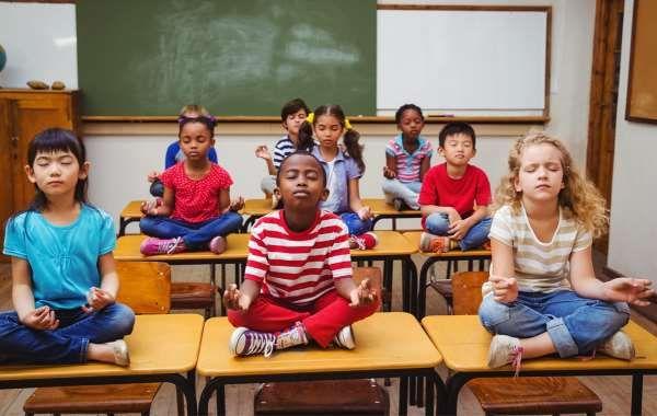 Σχολείο αντικαθιστά την τιμωρία με διαλογισμό! σχολείο δημοτικό