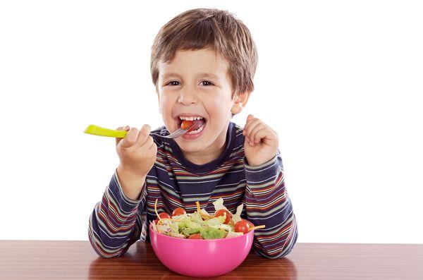 Προσχολική ηλικία: τα 5 απαραίτητα συστατικά της διατροφής