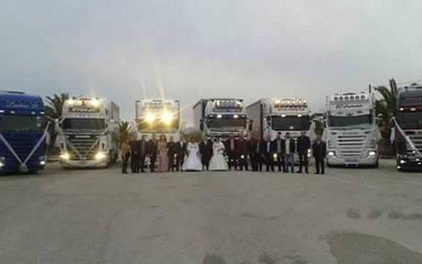 Ο διπλός γάμος με τα φορτηγά που ξεσήκωσε το Αγρίνιο! γάμος Αγρινίο