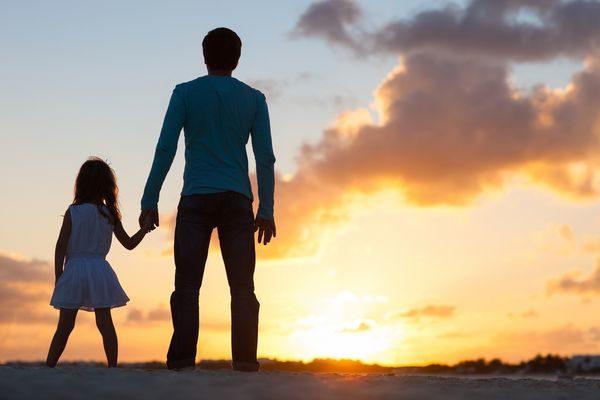 10 λόγοι που ο δεσμός πατέρα-κόρης είναι μοναδικός! σχέση μπαμπά-κόρης