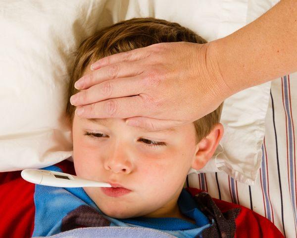 Τι κάνω όταν το παιδί έχει πυρετό! πυρετός ίωσεις