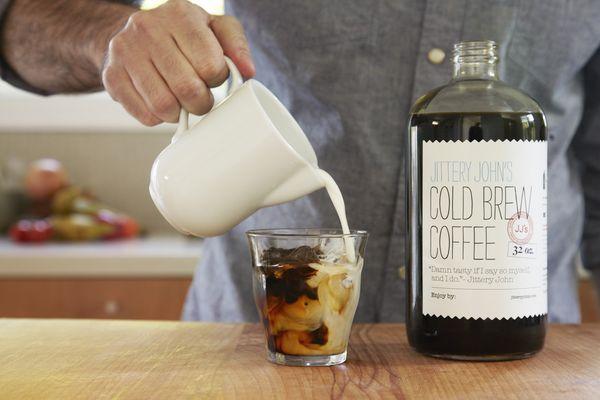 Η νέα λαχταριστή συνταγή στον καφέ λέγεται cold brew (video)! καφές cold brew καφές