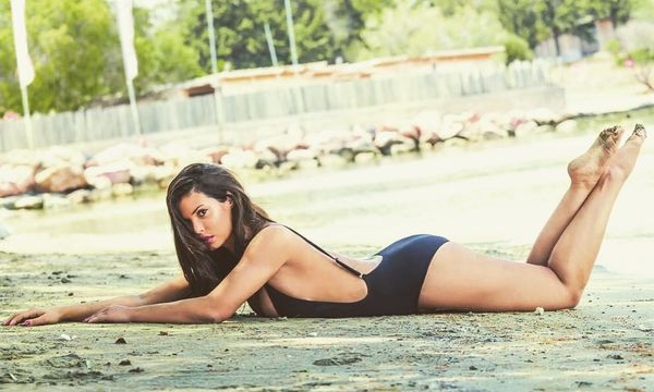 H Mαρία Κορινθίου sexy και ίσως η πιο καυτή Ελληνίδα μάμα! sexy Mαρία Κορινθίου