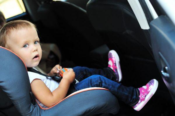 Τα πιο συχνά λάθη που κάνουμε όταν βάζουμε το παιδί στο αυτοκίνητο! παιδικό κάθισμα αυτοκίνητο