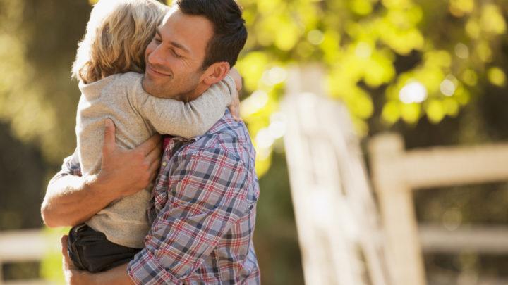 Γιατί τα παιδιά χρειάζονται τόσο πολύ και τους μπαμπάδες τους; σχέση μπαμπά-κόρης