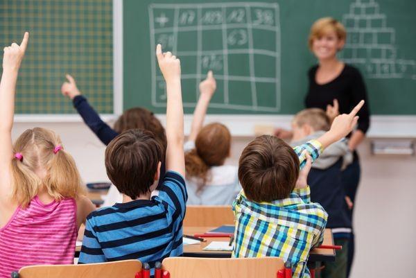 Τσάντα στο σχολείο: Tο Happy Friday για τις μαθητές δημοτικού έρχεται από το Υπουργείο Παιδείας! τσάντα στο σχολείο δημοτικό