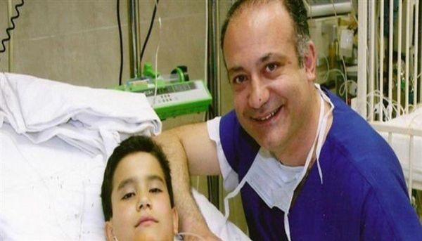 Αυξέντιος Καλαγκός: Ο καρδιοχειρουργός που έχει σώσει χιλιάδες άπορα παιδιά πρόσωπα Αυξέντιος Καλαγκός