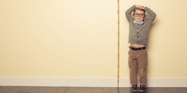Ανακαλύφθηκαν 83 νέα γονίδια που επηρεάζουν το ύψος των ανθρώπων ύψος παιδιού ύψος ανάπτυξη παιδιού