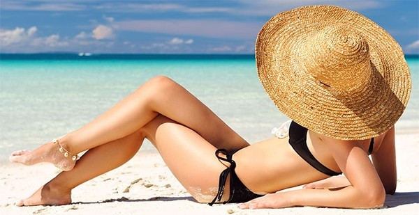 Πως θα μαυρίσω εύκολα και γρήγορα: 5 tips για τέλειο μαύρισμα μαύρισμα καλοκαίρι ήλιος
