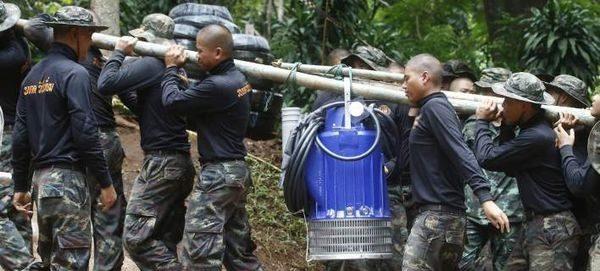 Ταϊλάνδη: H μάχη με τον χρόνο και το νερό...Τα περιθώρια στενεύουν! Ταϊλάνδη αγωνία