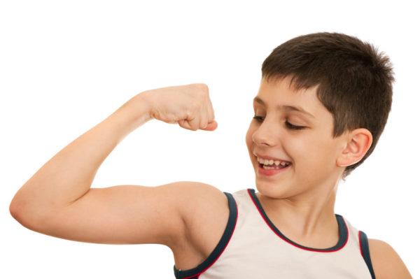 8 βήματα για να μεγαλώσουμε συναισθηματικά υγιή αγόρια συναισθηματική υγεία αγόρι