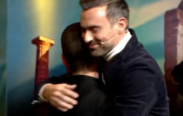 «Έχουν γίνει δολοφονίες και τις βαφτίζουμε αυτοκτονίες». Το συγκινητικό ξέσπασμα του Γιώργου Καπουτζίδη για το bullying (video)! τηλεόραση Ελλάδα έχεις ταλέντο Γιώργος Καπουτζίδης bullying
