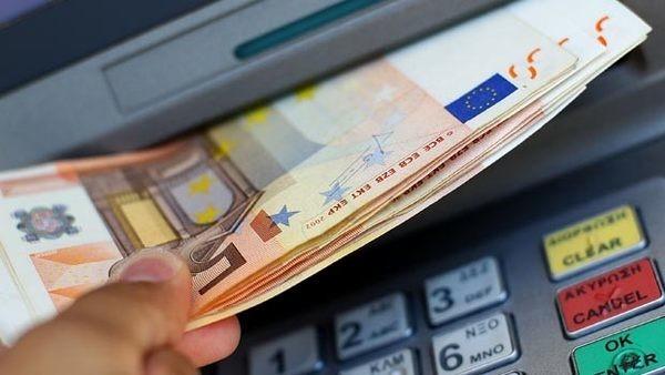 Νέες χρεώσεις έρχονται από Δευτέρα για αναλήψεις από ATM! οικονομία ΑΤΜ