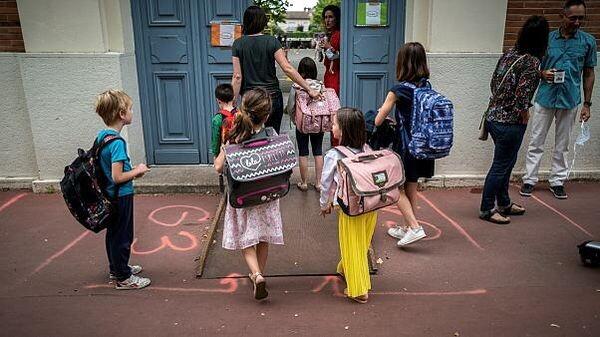 Γαλλία: Είκοσι δύο σχολεία έκλεισαν στη χώρα εξαιτίας του κορωνοϊού σχολείο Γαλλία covid-19
