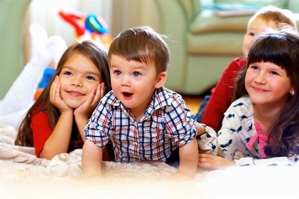 «Επενδύστε στα βρέφη και στα νήπια» νήπιο Κώστας Μεγήρ έρευνες